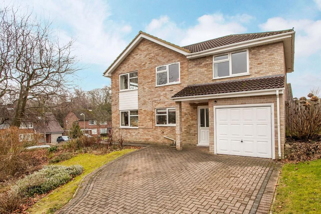 4 Bedrooms Detached House for sale in Teg Down Meads, Winchester, SO22