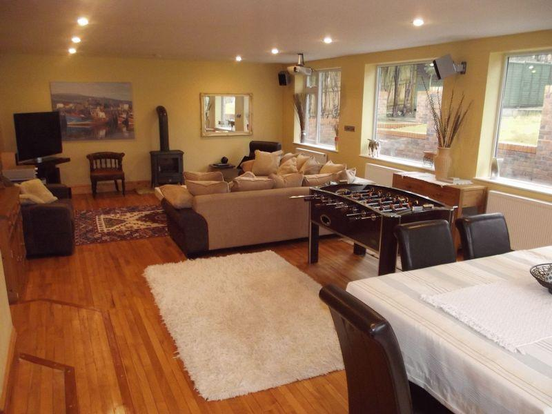 5 Bedrooms Detached House for sale in 2 Woodlands Rise, North Ferriby