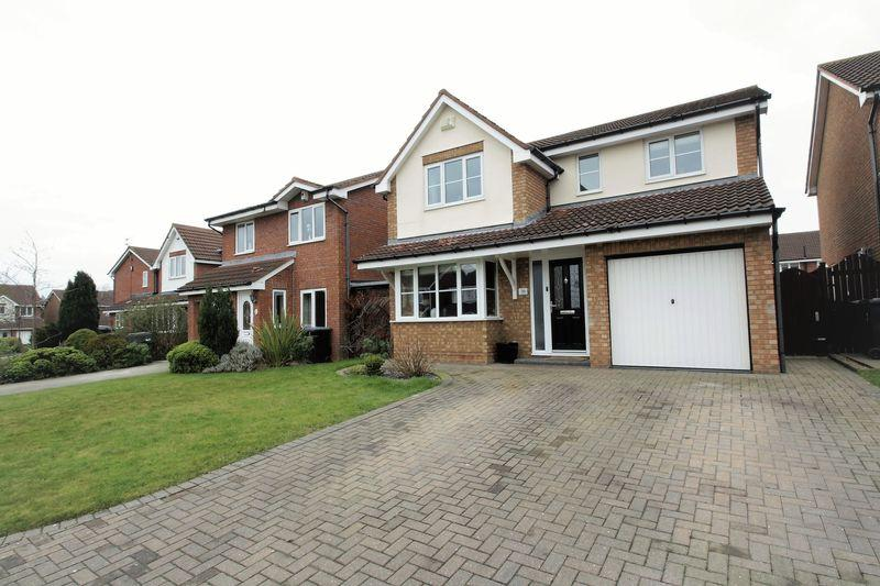 3 Bedrooms Detached House for sale in The Pastures, Coulby Newham, Middlesbrough, TS8 0UJ