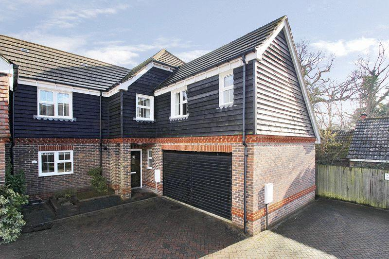 4 Bedrooms End Of Terrace House for sale in Cambria Close, Partridge Green
