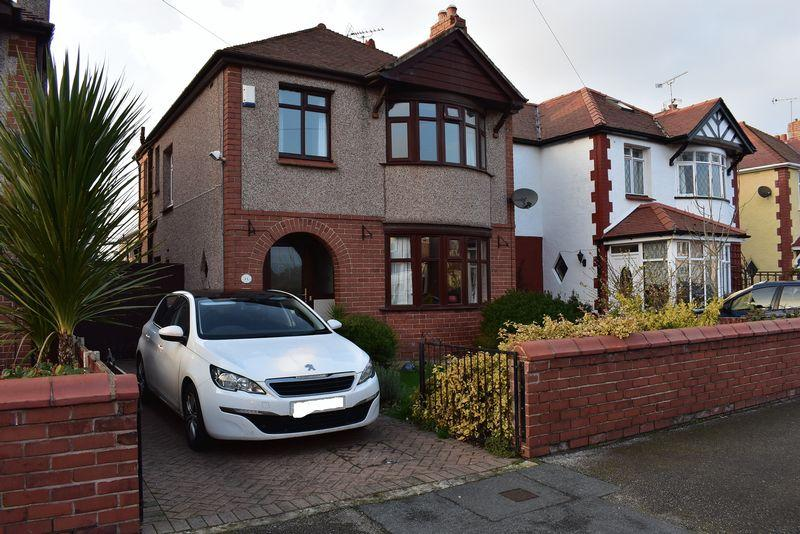 3 Bedrooms Detached House for sale in Lynton Walk, Rhyl