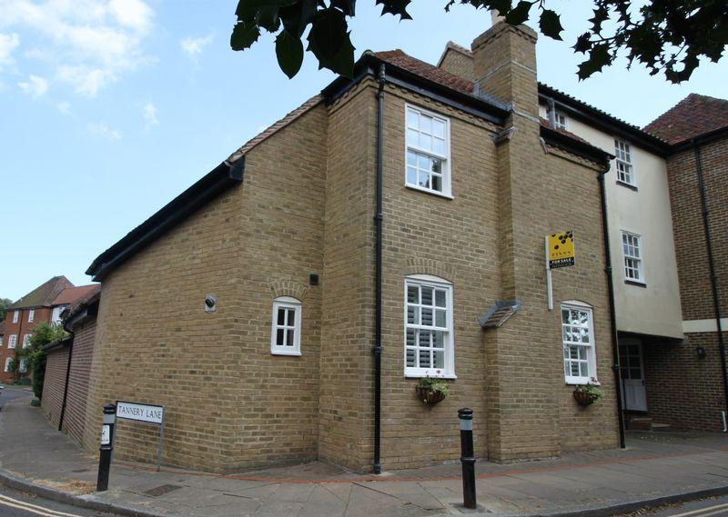 3 Bedrooms Town House for sale in Loop Street, Sandwich