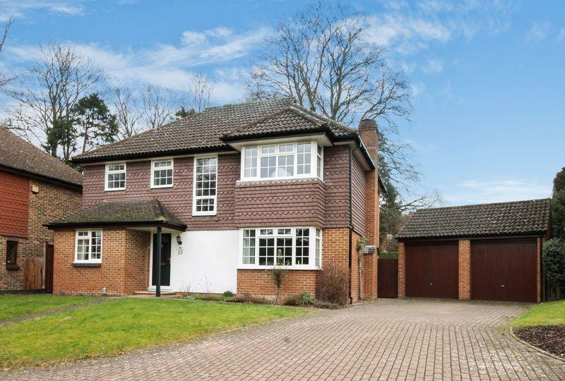 4 Bedrooms Detached House for sale in ASHTEAD/LEATHERHEAD