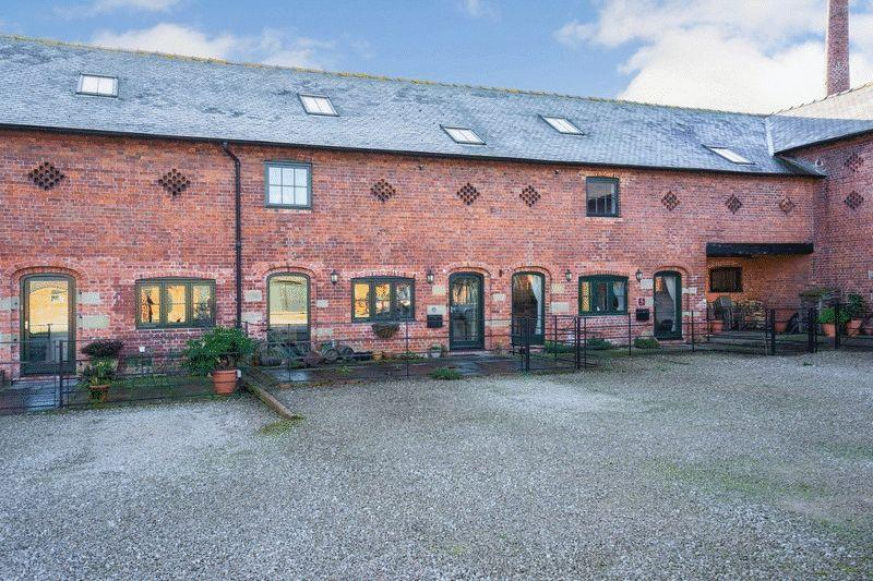 3 Bedrooms Barn Conversion Character Property for sale in Newnes Barns, Ellesmere