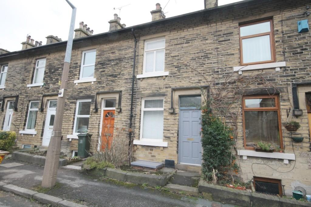 2 Bedrooms Terraced House for sale in Clifton Place, Shipley