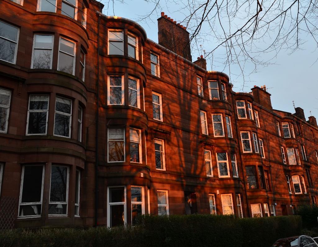 2 Bedrooms Flat for sale in Striven Gardens, Flat 0/2 , North Kelvinside, Glasgow, G20 6DU