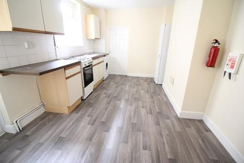 1 bedroom flat to rent - Moira Place, Adamsdown, Cardiff, CF24
