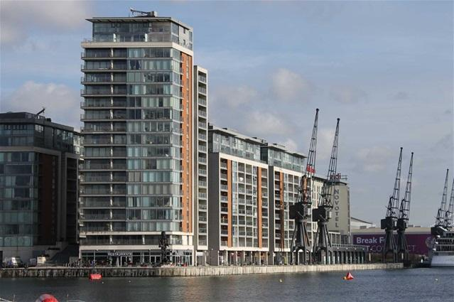 2 Bedrooms Flat for sale in Coral Apartments, 17 Western Gateway, London