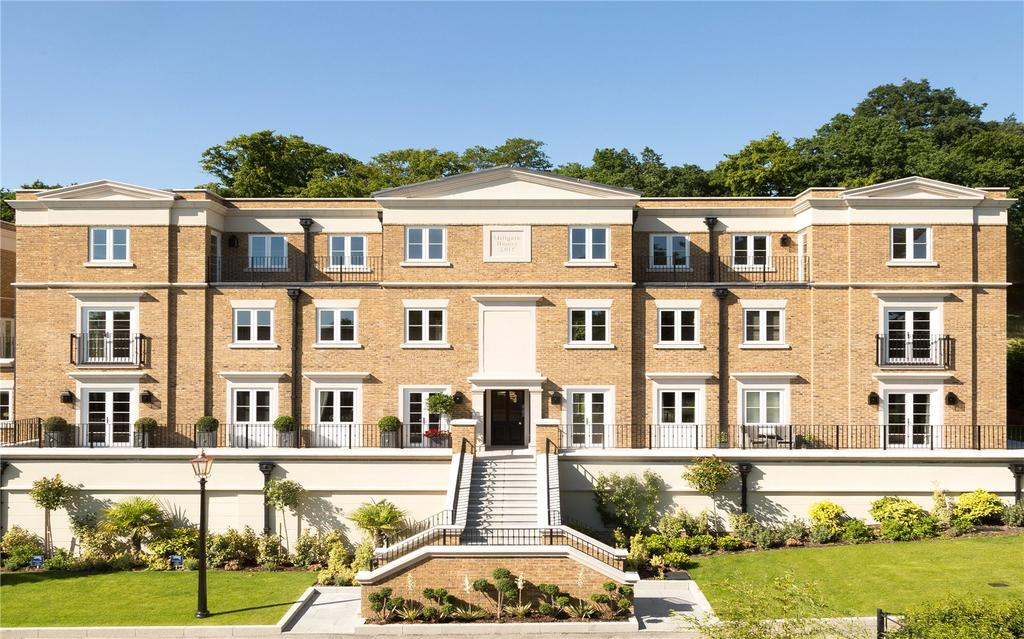 3 Bedrooms Flat for sale in Willoughby Lane, (Off Of Plaistow Lane), Bromley, Kent, BR1