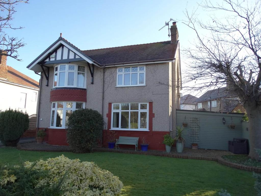 3 Bedrooms Detached House for sale in 4 Whitehall Road, Rhos on Sea, LL28 4HW