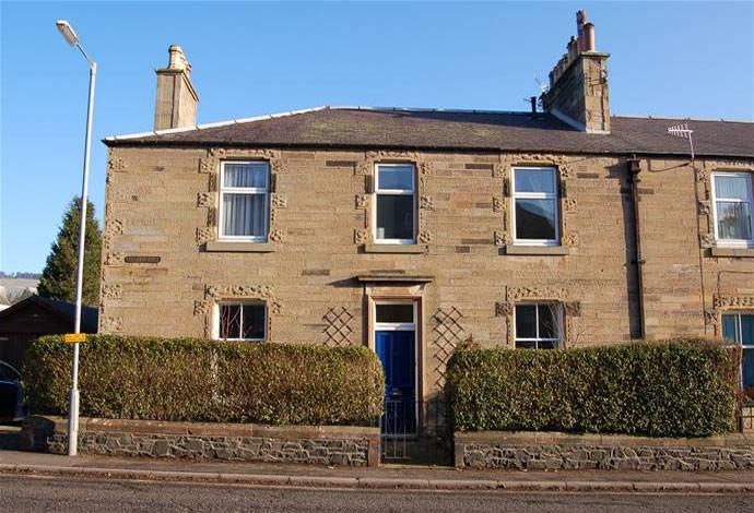 4 Bedrooms Semi Detached House for sale in 68 Rosetta Road, Peebles, EH45 8HQ