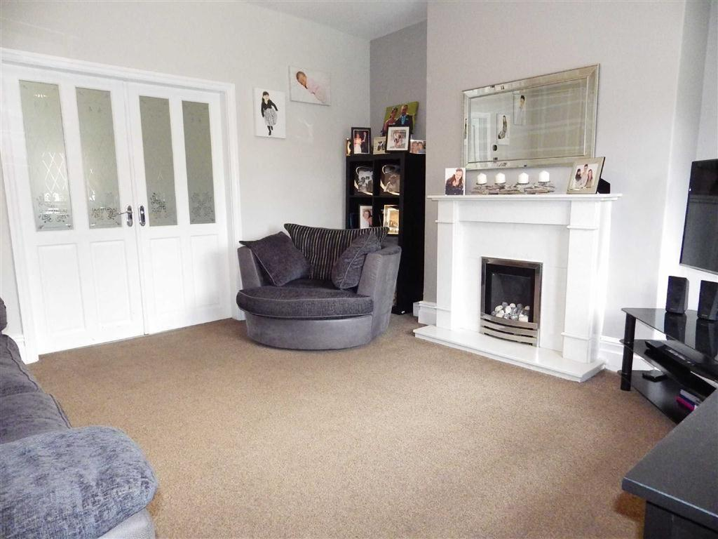 4 Bedrooms Semi Detached House for sale in Knowl Gap Avenue, Haslingden, Rossendale, Lancashire, BB4