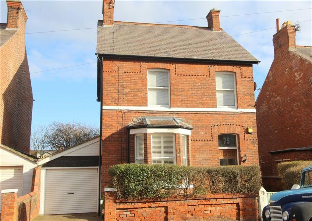 3 Bedrooms Detached House for sale in St Andrews Road South, Lytham St Annes, Lancashire