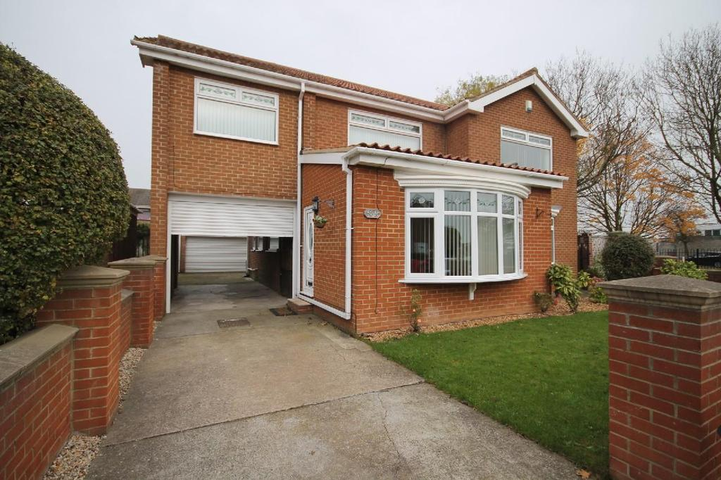 4 Bedrooms Detached House for sale in Kintyre Drive, Thornaby