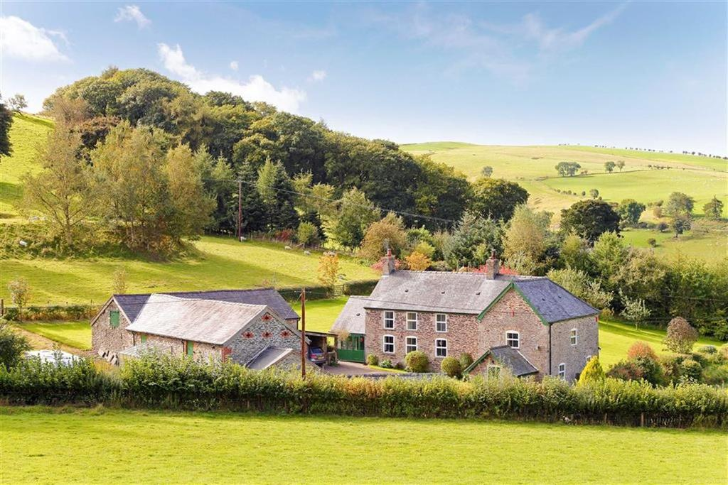 5 Bedrooms Detached House for sale in Rhiwlas, Oswestry, SY10