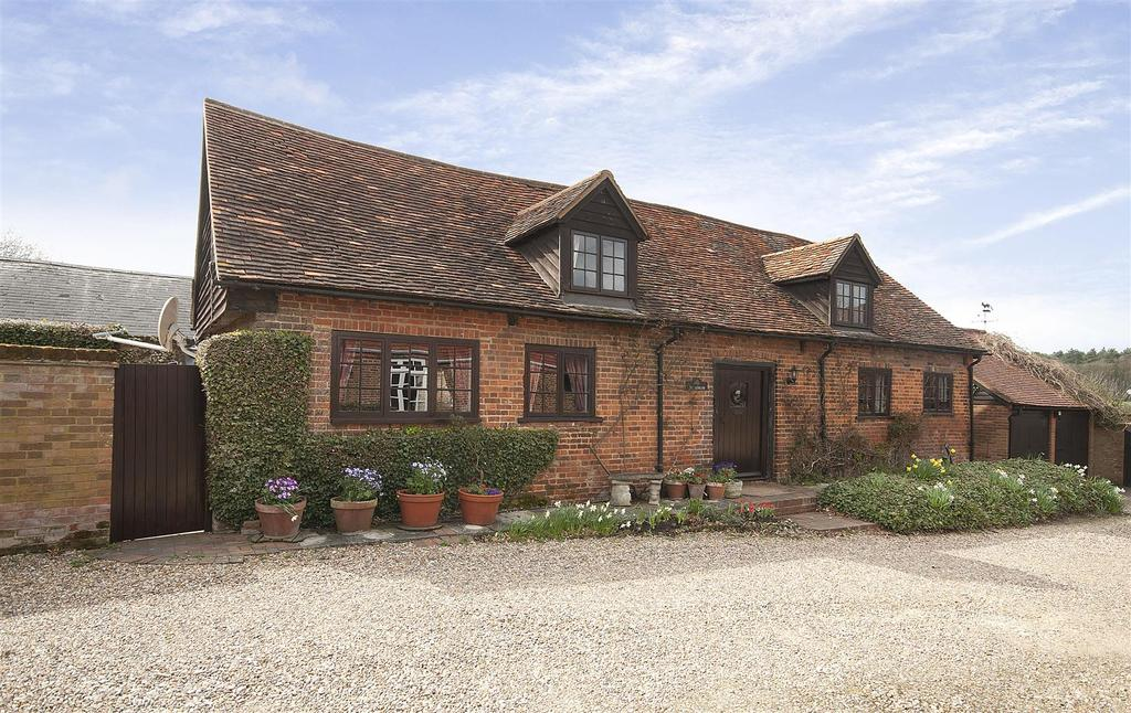 2 Bedrooms Barn Conversion Character Property for sale in Potters Crouch