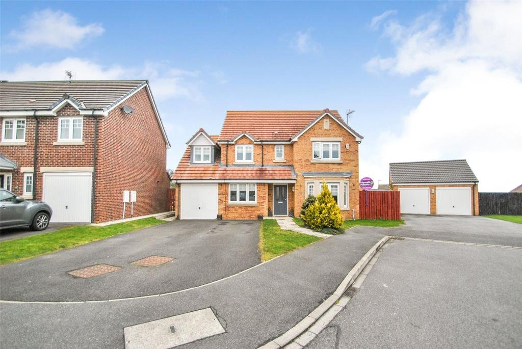 5 Bedrooms Detached House for sale in Beadnell Drive, East Shore Village, Seaham, Co Durham, SR7