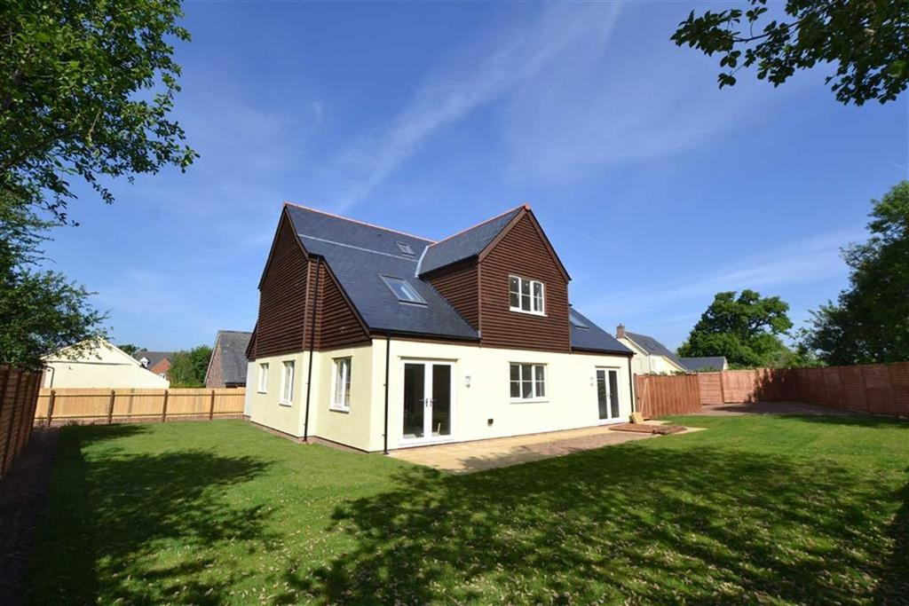 4 Bedrooms Detached House for sale in Tudor Park, Taunton, Somerset, TA2