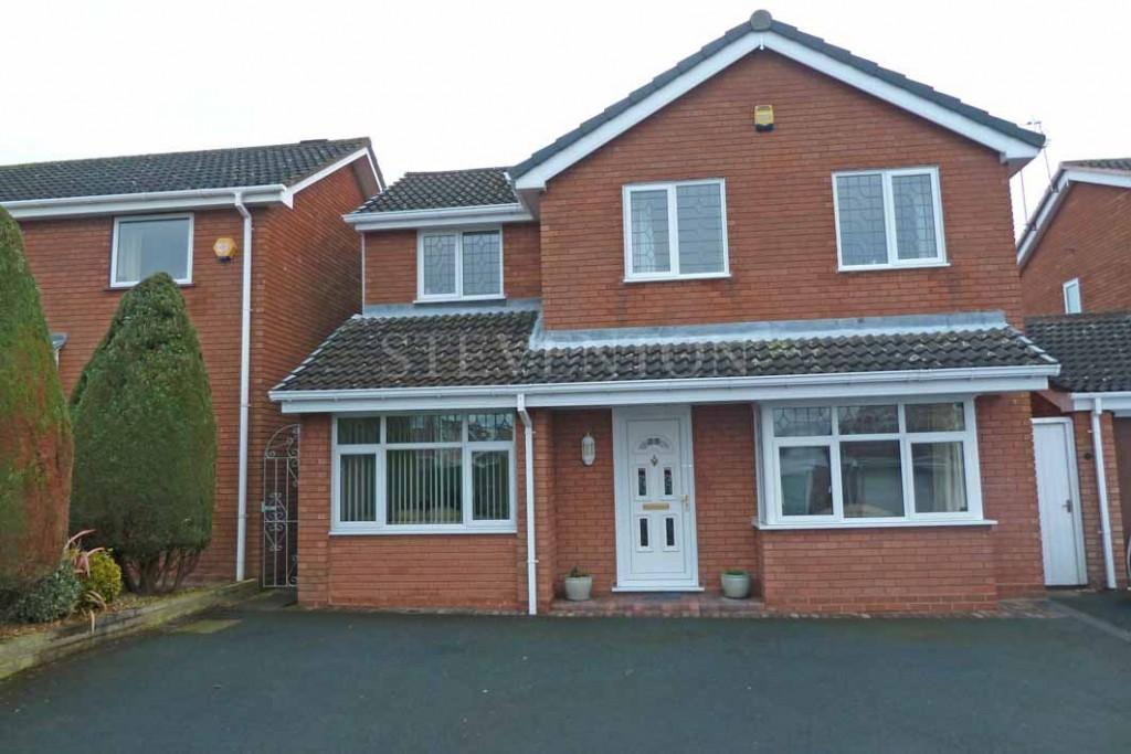 4 Bedrooms Detached House for sale in Rockingham Drive, Perton, Wolverhampton