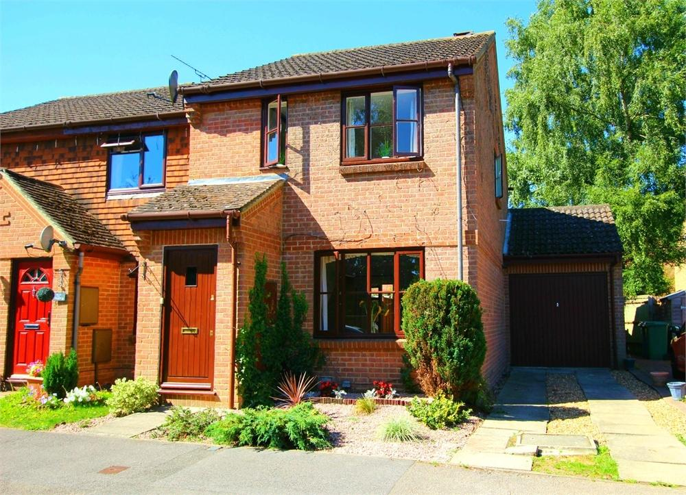 3 Bedrooms End Of Terrace House for sale in Charterhouse Close, Forest Park, Bracknell, Berkshire