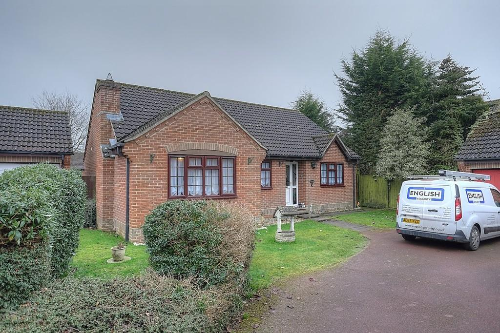 3 Bedrooms Detached Bungalow for sale in Windsor Park, Dereham