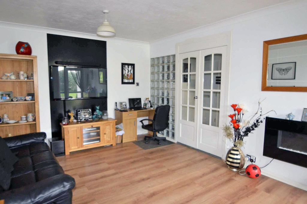 2 Bedrooms Ground Flat for sale in 398 Charminster Road, BOURNEMOUTH, BH8