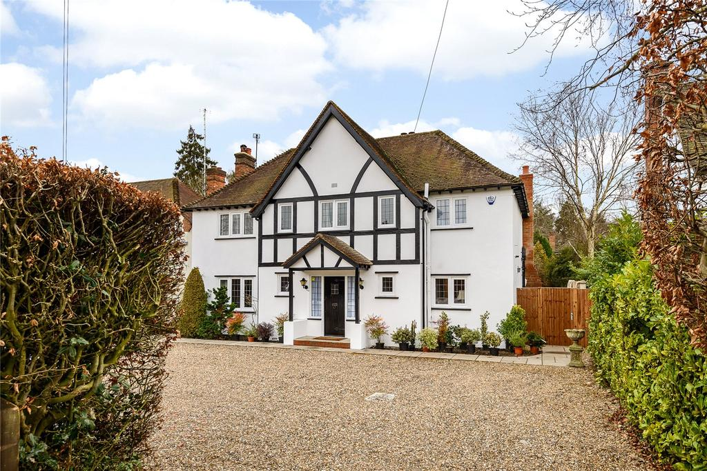 5 Bedrooms Detached House for sale in Dukes Wood Avenue, Gerrards Cross, Buckinghamshire
