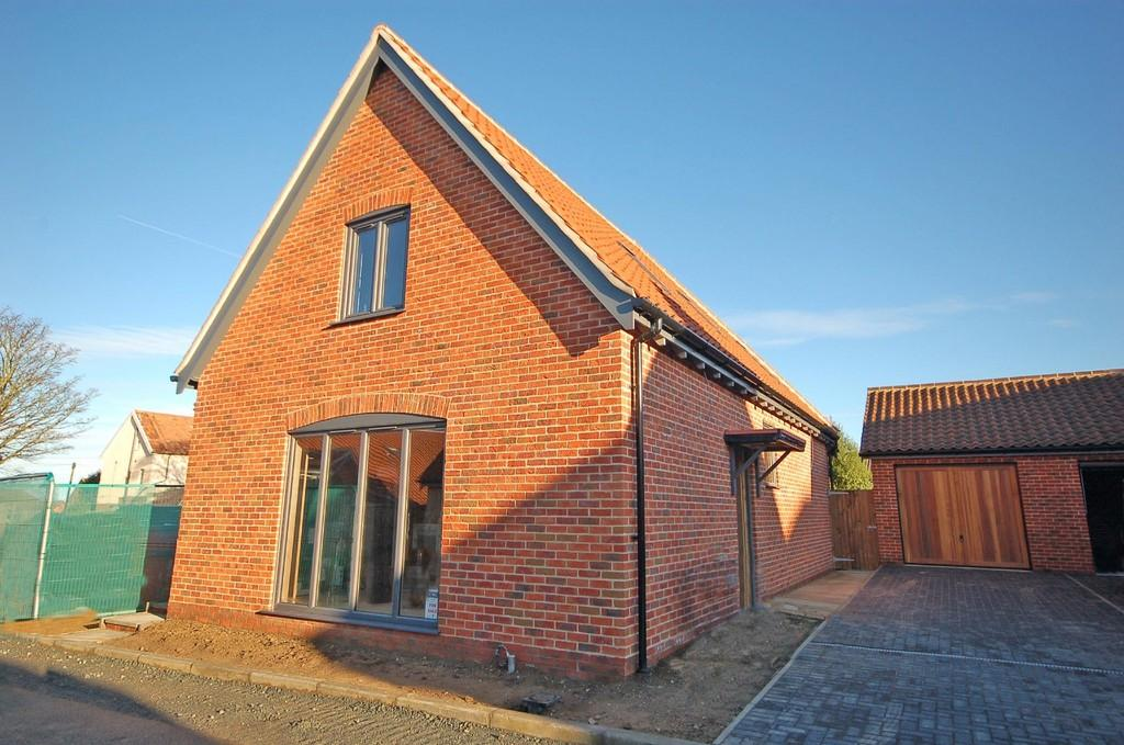 3 Bedrooms Detached House for sale in Jamie Wight Close, Sheringham