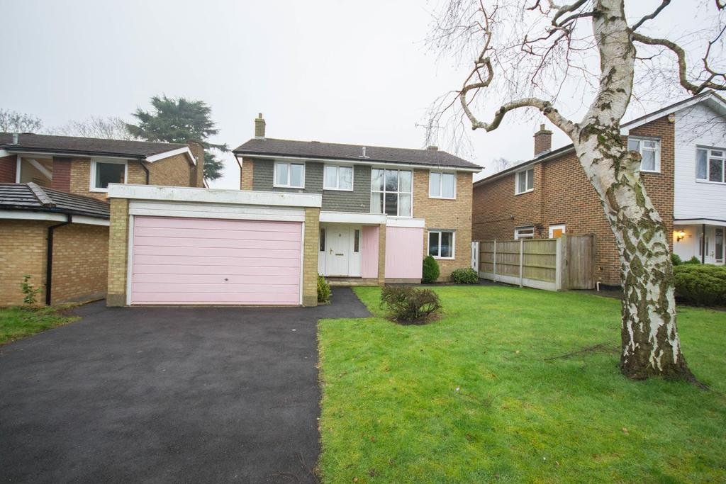 3 Bedrooms Detached House for sale in Shenfield Place, Shenfield, Brentwood, Essex, CM15