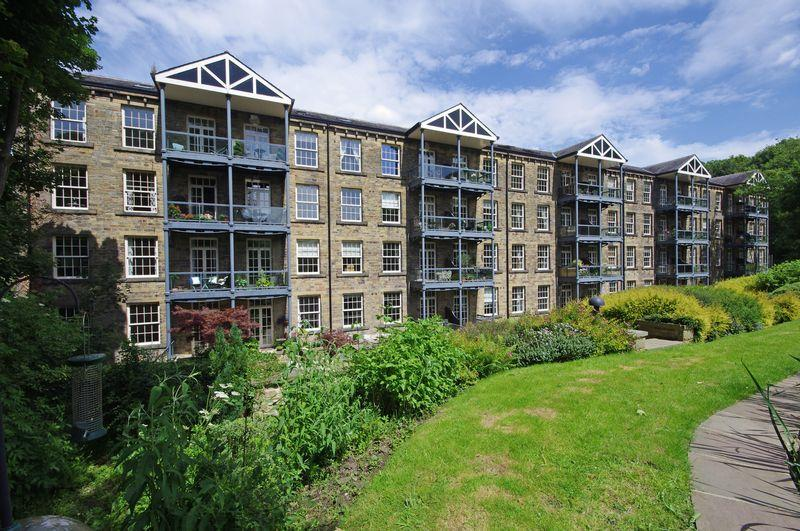 2 Bedrooms Apartment Flat for sale in Ryburn, Barkisland Mill, Barkisland, HX4 0HF