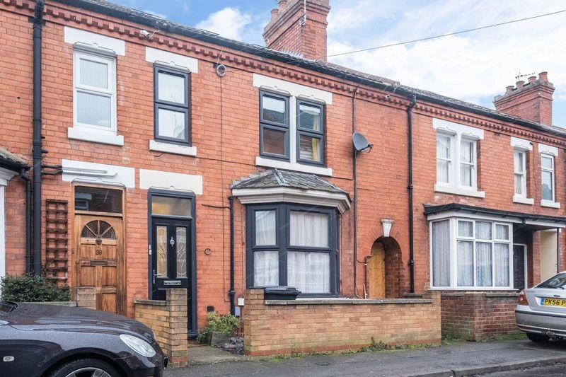 4 Bedrooms Terraced House for sale in Harborough Road Rushden