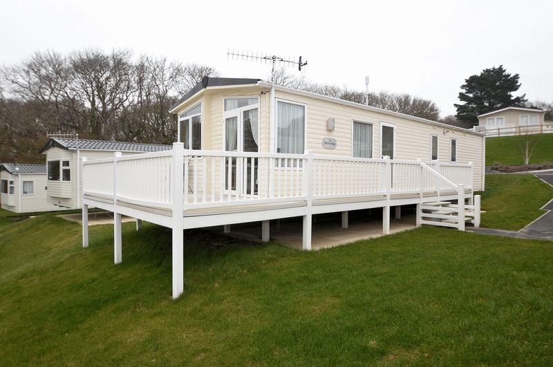 3 Bedrooms Park Home Mobile Home for sale in Hillway Road, Bembridge