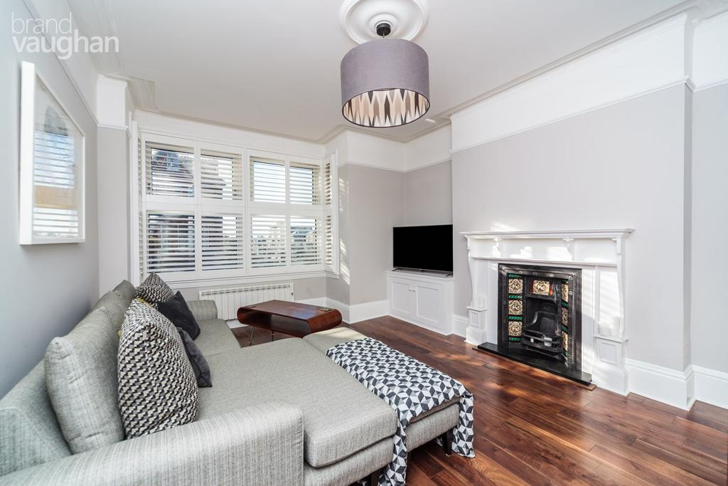 2 Bedrooms Apartment Flat for sale in Cromwell Road, Hove, BN3