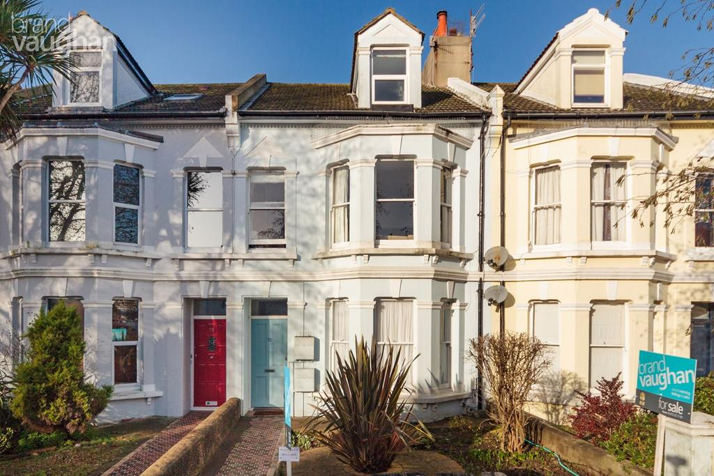2 Bedrooms Ground Flat for sale in Westbourne Gardens, Hove, BN3