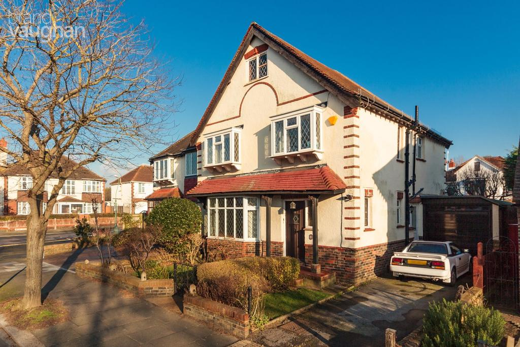 4 Bedrooms Semi Detached House for sale in Coleman Avenue, Hove, BN3