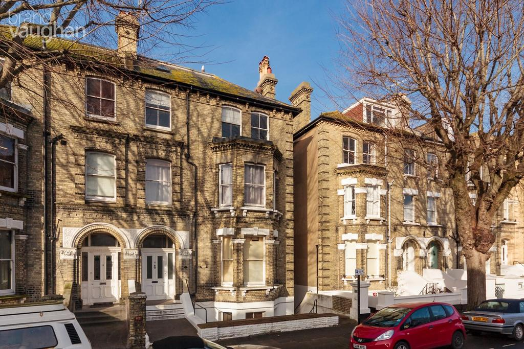 3 Bedrooms Maisonette Flat for sale in Salisbury Road, Hove, BN3