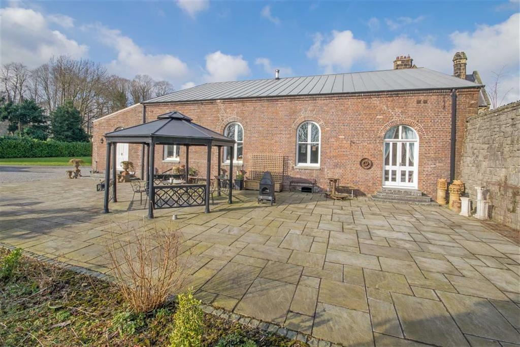 5 Bedrooms Detached House for sale in Upper Bryn Coch, Mold, Mold