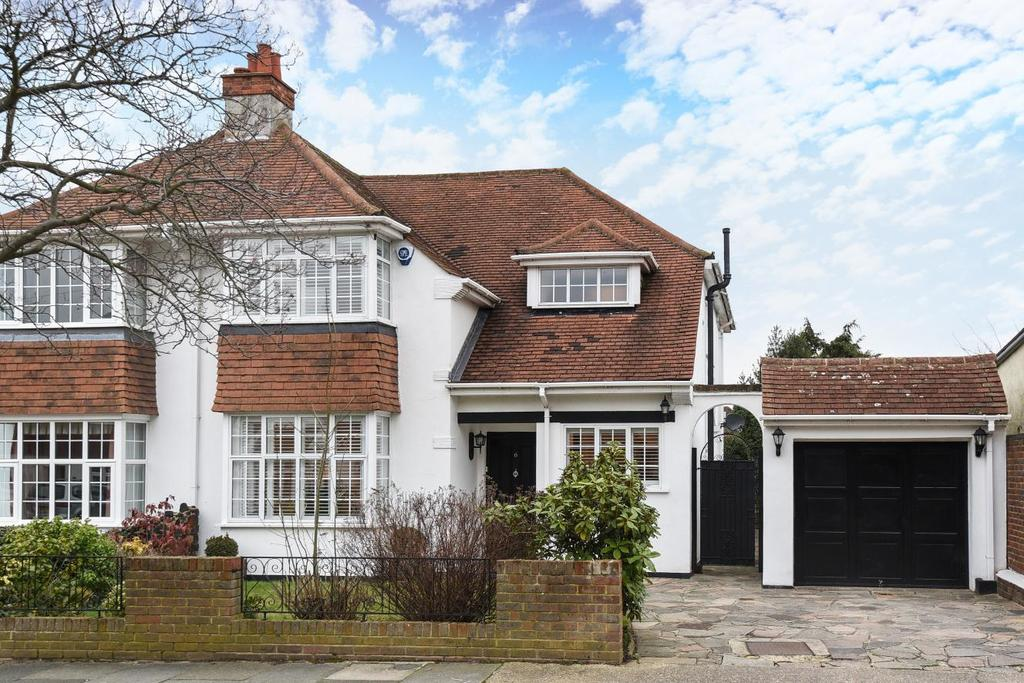 4 Bedrooms Semi Detached House for sale in Woodside Road, Bickley, BR1