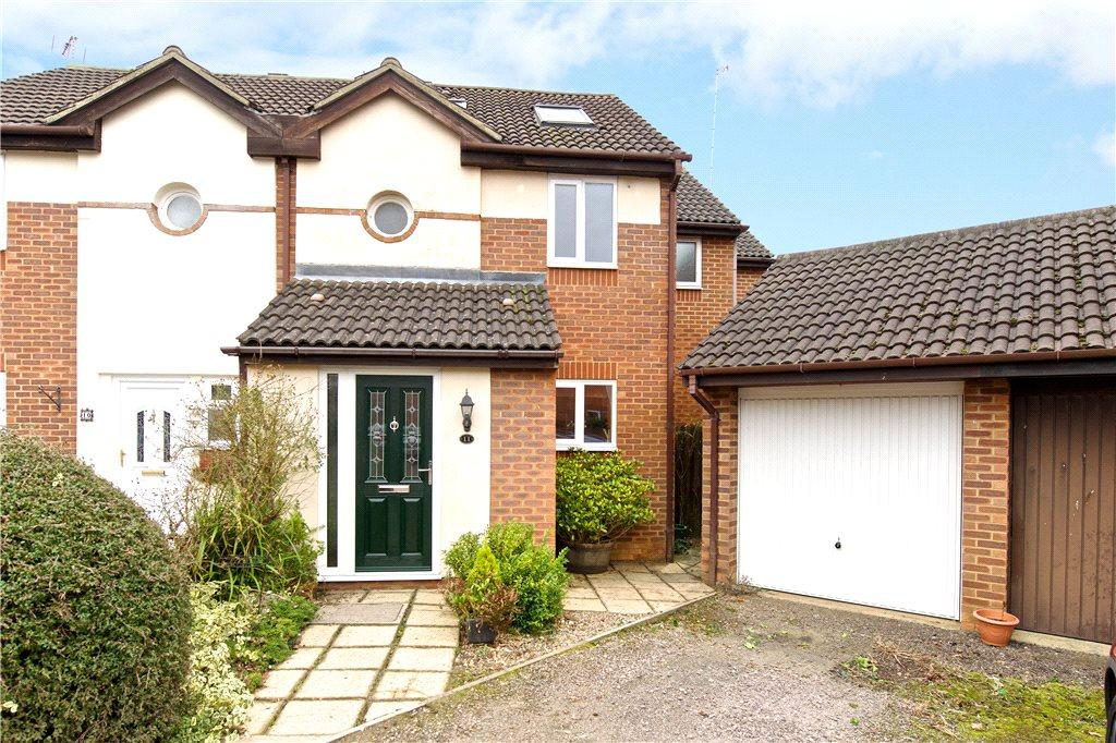 4 Bedrooms Semi Detached House for sale in Hutchings Close, Loughton, Milton Keynes, Buckinghamshire