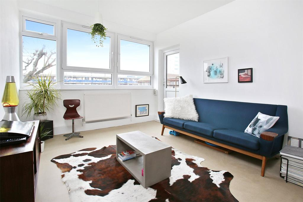 2 Bedrooms Flat for sale in Macbeth House, Arden Estate, London, N1