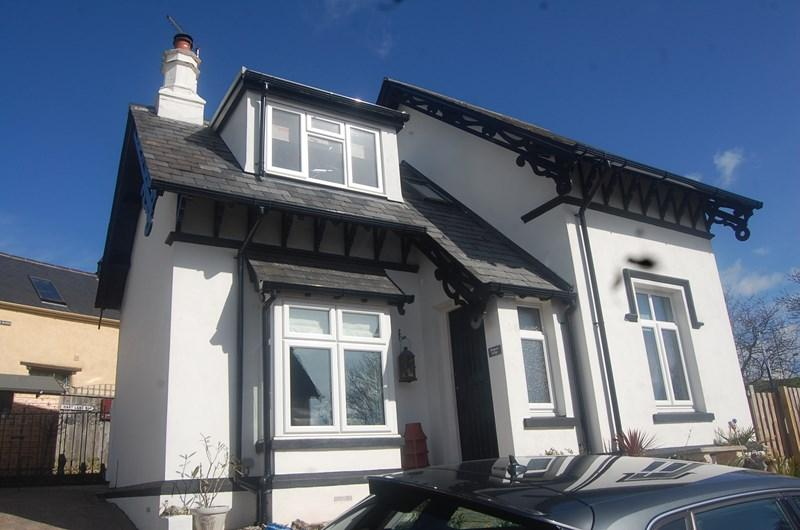 3 Bedrooms Detached House for sale in The Yannons, Teignmouth