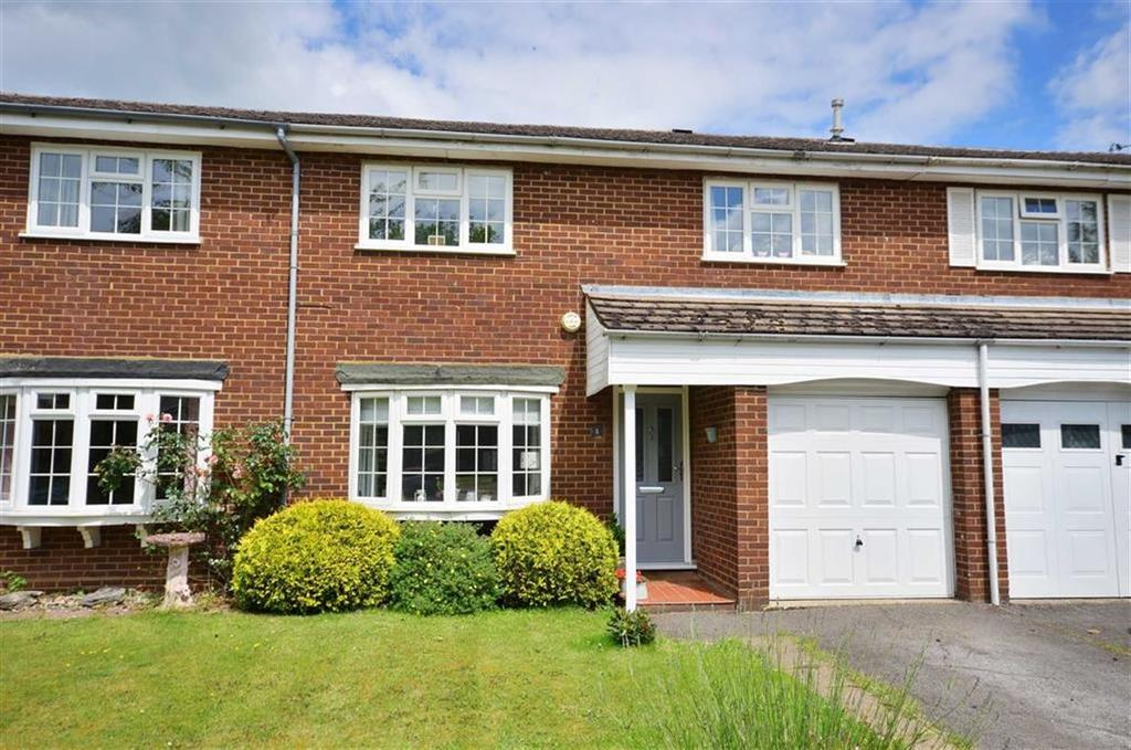 3 Bedrooms Terraced House for sale in Whitegates Close, Croxley Green, Hertfordshire