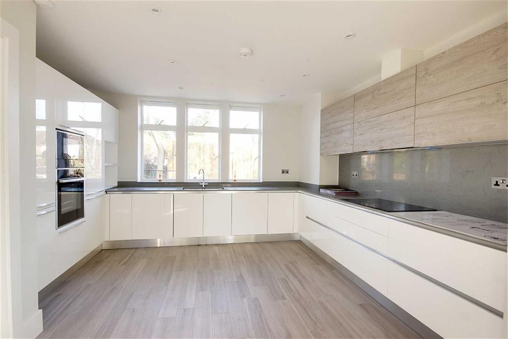 4 Bedrooms Semi Detached House for sale in Priory Park, Edgware, London