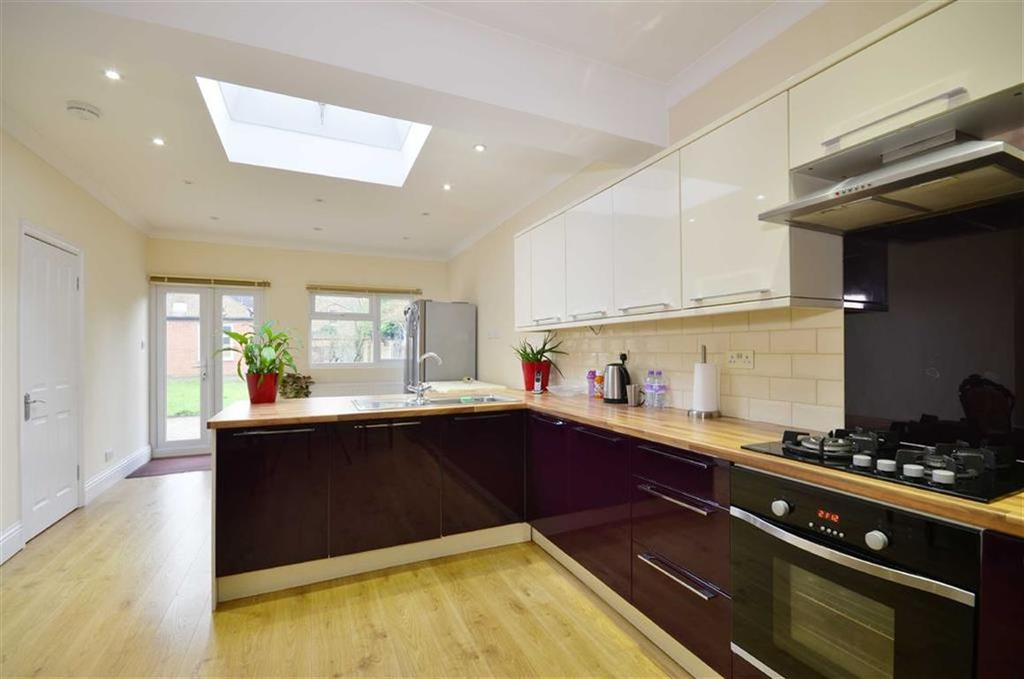 4 Bedrooms Semi Detached House for sale in Mildred Avenue, Watford, Hertfordshire