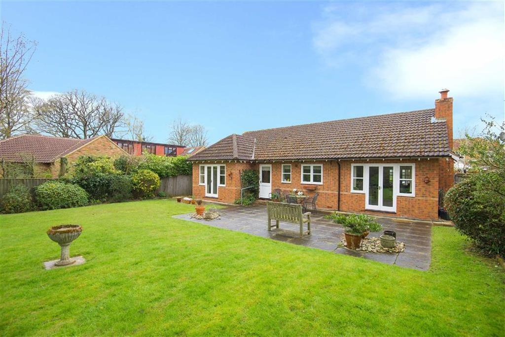 4 Bedrooms Detached Bungalow for sale in Randalls Walk, Bricket Wood, Hertfordshire