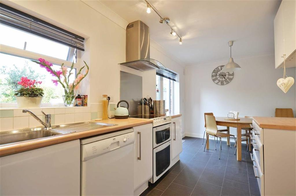 4 Bedrooms Semi Detached House for sale in Capell Road, Chorleywood, Hertfordshire