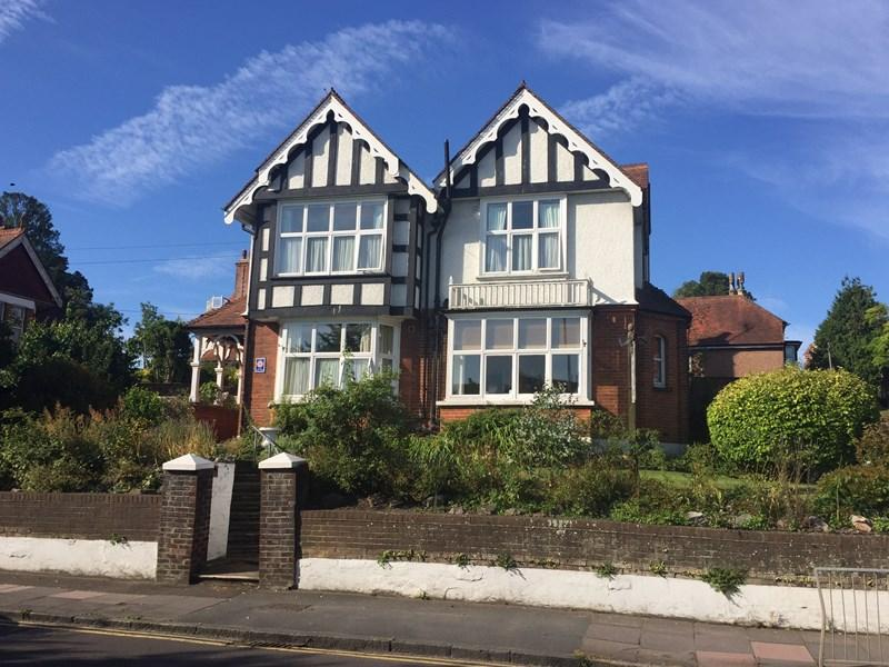 7 Bedrooms Detached House for sale in Lewes Road, Eastbourne