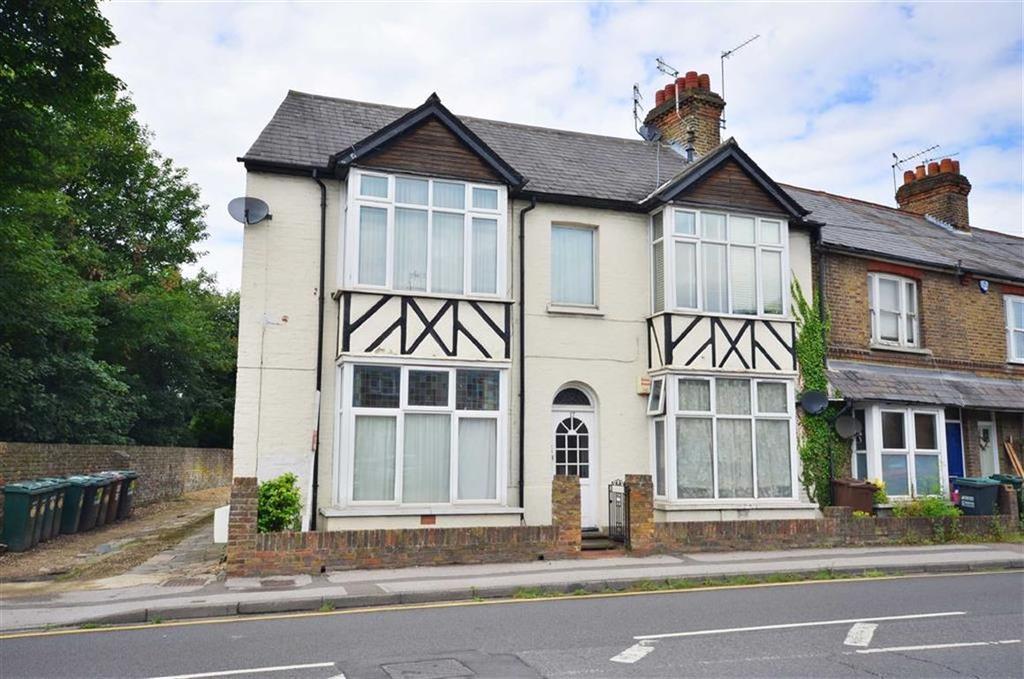Studio Flat for sale in Park Road, Rickmansworth, Hertfordshire, WD3