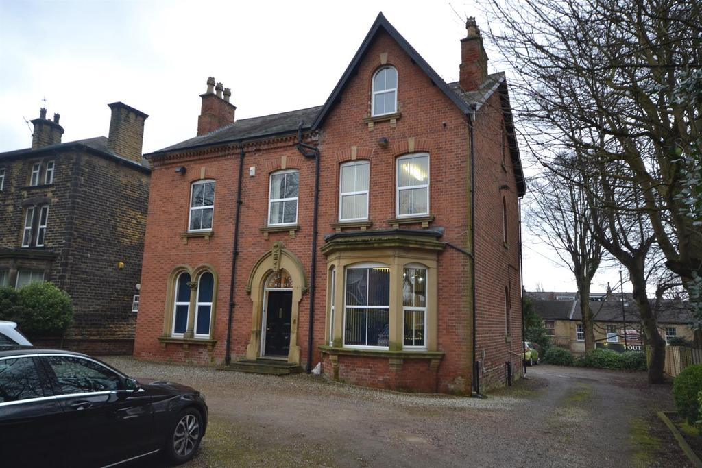 Detached House for sale in Allerton Hill, Chapel Allerton
