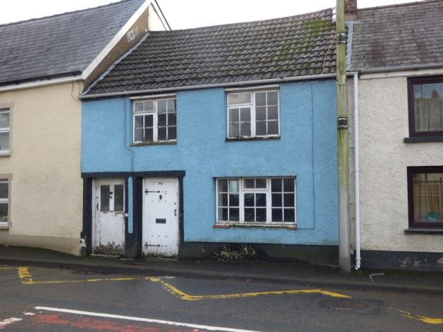2 Bedrooms Terraced House for sale in High Street, Abergwili, Carmarthen